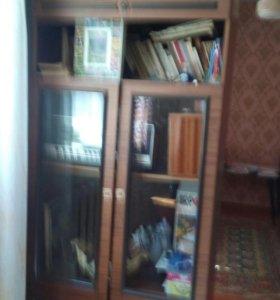 Шкаф книжный с антресолью