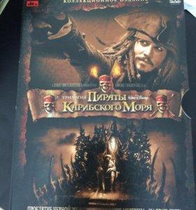 """DVD диск с трилогией """"Пираты Карибского моря"""""""