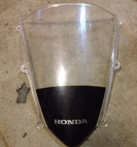 Стекло ветровое переднего обтекателя Honda CBR600