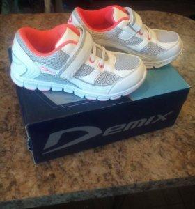 Новые кроссовки Demix