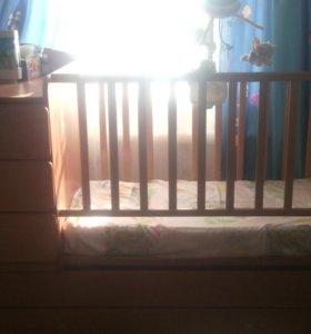 Кроватка-трансформер + матрац.