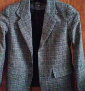 Пиджак и жилет для мальчика.