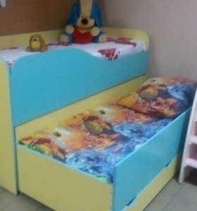 Кровать двойная с выдвижной секцией