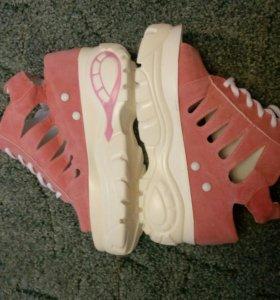 Босоножки,летние кроссовки,ботиночки
