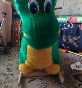 Динозавр-качалка
