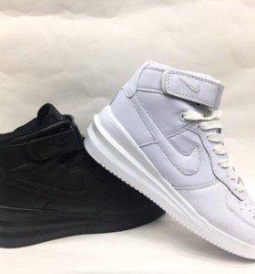 Кроссовки высокие Nike
