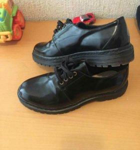 Лакированные туфли 36р