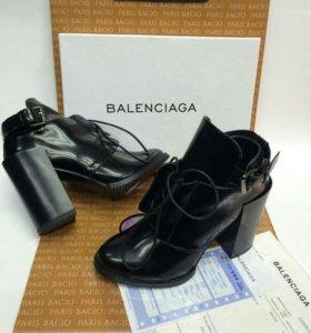 Ботинки полусапожки черные Balenciaga