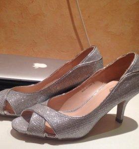 Серебристые туфли, 35 размер