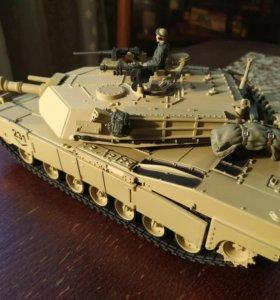 "Модель танк ""Абрамс"" 1:32"