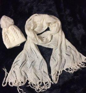 Теплая белая зимняя шапка и шарф