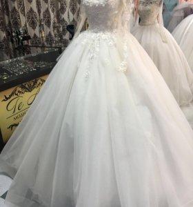 Прокат и продажа свадебного платья