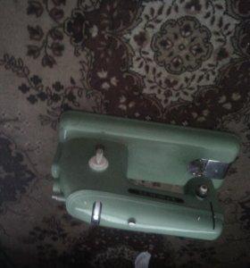 Швейная машинка ржев ручьная и электро подача