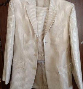Мужской костюм 44-46