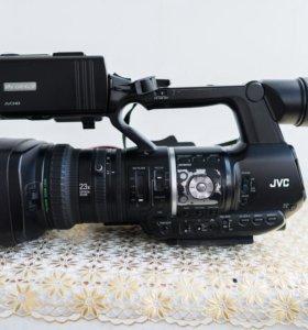 продам JVC GY-HM600E