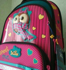 Школьный ранец (рюкзак)новый