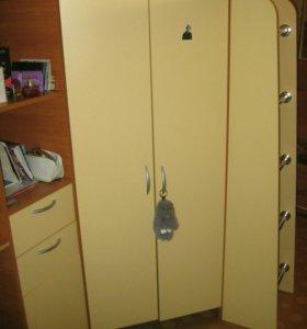 кровать-чердак со столом и шкафом 3 в 1