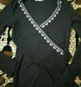 Кофта , блузка, свитер ,джемпер Bershka женский.