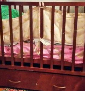 Детская кровать качалка. С матрасом.  Торг.
