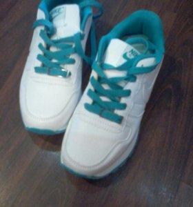Кроссовки новые, размер 36 и 41