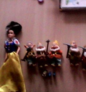 Кукла Белоснежка и 7 гномов