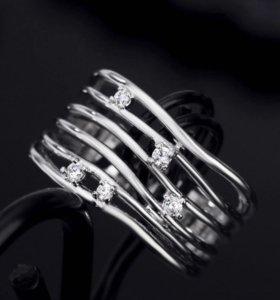 Кольцо с хрусталем 16-17 размер. Бижутерия новая