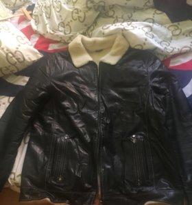 Продам куртку кожаную новую