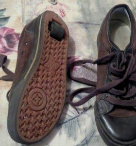 Роликовые ботинки Heelys