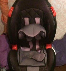 Авто кресло от 1 до 4 лет . (15-25 кг )