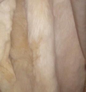 Меховая куртка - пальто.