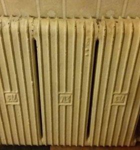 Радиатор чугунный в отличном состоянии