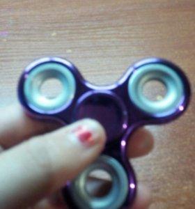 Спиннер фиолетовый.