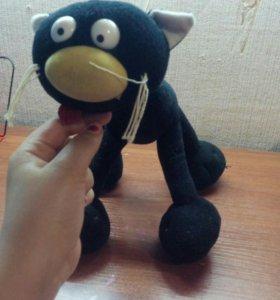 Чёрный котик ))