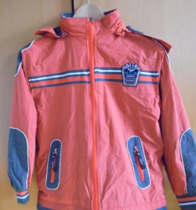 Демисезонная курточка на девочку 9-10 лет