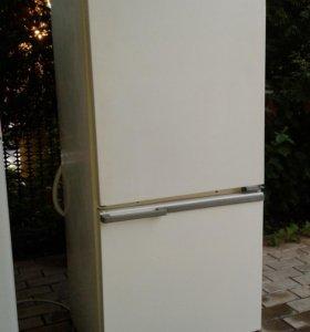 Холодильник Мир в отличном состоянии