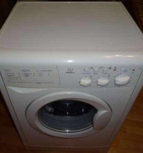 Стиральная машинка Indesit WI84X запчасти