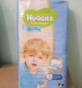 Подгузники Huggies 4+