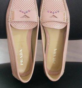 Обувь красивая , оригинальная , достойная !