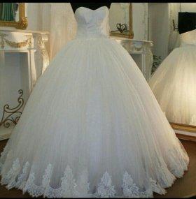 Продаю свадебное платье новое