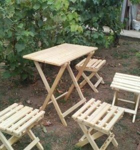 Комплект складной деревянной мебели (стол, стулья)