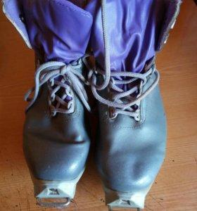 Лыжные ботинки р 41
