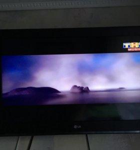 Телевизор 32 Д 82 см