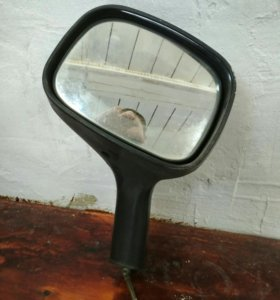 Зеркало на крыло