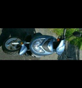 Скутер Lupus 125