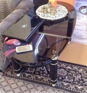 Журнальный стол, стекло черное