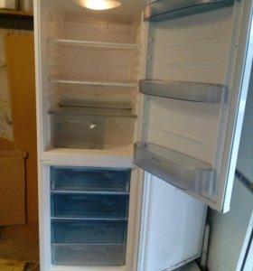 """Холодильник """"Hilкama"""" 1м90см из Финляндии."""