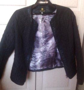 Курточка черная, стеганая