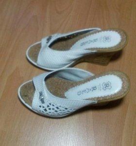 Женские туфли RAED