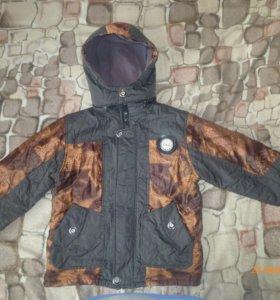 Куртка на мальчика р-р 122-128