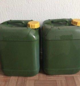 Пластиковые канистры на 10 литров 5 штук